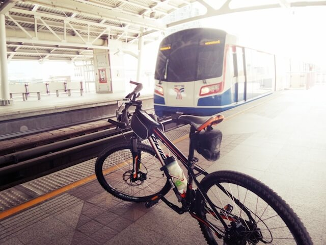 Bangkok BTS to allow only folding bikes in 2016