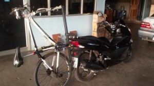 bicycle rack on motorcycle 2