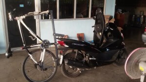 bicycle rack on motorcycle 3