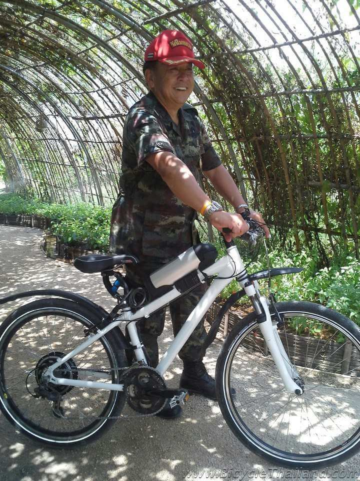 Thai General with ebike