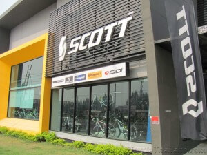 KH Cycle front of shop SCOTT logo