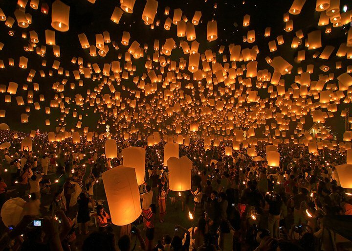 Chiang Mai Loy Kratong festival of lights 2